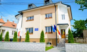 """ASTĂZI: Centrul de Cultură """"Augustin Bena"""" aniversează 10 ani de la înfiinţare. Eveniment festiv la Casa de Cultură a Sindicatelor din Alba Iulia"""