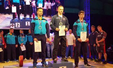 FOTO: Trei sportivi legitimați la CS Unirea Alba Iulia, în lotul Național de Powerlifting al României care a câștigat Cupa Dunării pe națiuni
