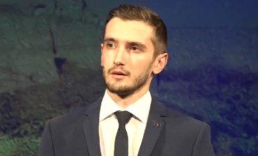 """VIDEO: Cum sună """"Cămașa"""" la masculin? Un tânăr din Alba Iulia i-a făcut pielea de găină Lidiei Buble"""