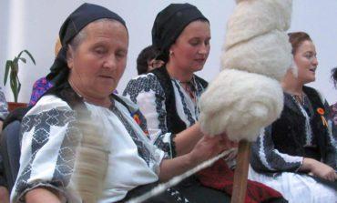 8 NOIEMBRIE: Șezătoare în inima Cetății, la Sala Unirii din Alba Iulia. Reconstituirea unei șezători tradiționale autentice