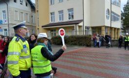 FOTO: Acţiuni ale poliţiştilor din Alba. Peste 700 de elevi din Alba au fost informaţi despre siguranţa la şcoală