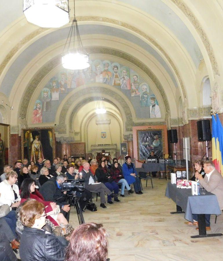 """FOTO: Prima zi a Bibliotecii Județene ,,Lucian Blaga""""  Alba încheiată în ropote de aplauze"""