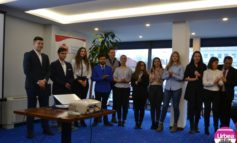 FOTO-VIDEO: Al IX-lea an al Programului YouthBank Alba. 28 de elevi vor strânge fonduri pentru proiectele din anul şcolar 2017-2018