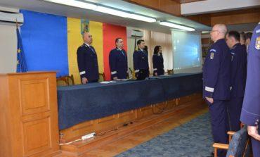 FOTO IPJ Alba: 10 poliţişti avansaţi în grad, de Ziua Naţională, pentru rezultate deosebite