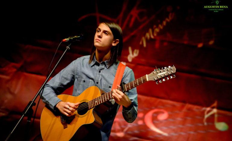 """FOTO: Albaiulianul Forian Şerban Goşa – marele câştigător al Festivalului Naţional de Muzică Folk """"Ziua de Mâine"""""""