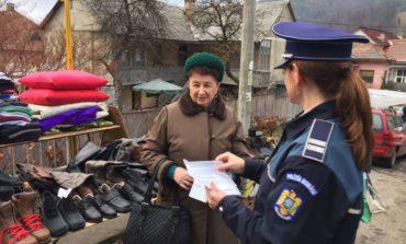FOTO: Recomandări din partea poliţiştilor pentru cetăţeni cu privire la siguranţa şi prevenirea infracţiunilor de furt din locuinţe şi înşelăciunile