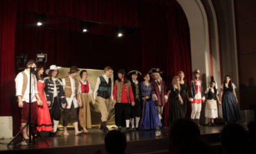 """JOI: Spectacolul """"Minciuni Nevinovate"""", prezentat în premieră de Grupul Skepsis, la Casa de Cultură a Studenţilor Alba Iulia"""