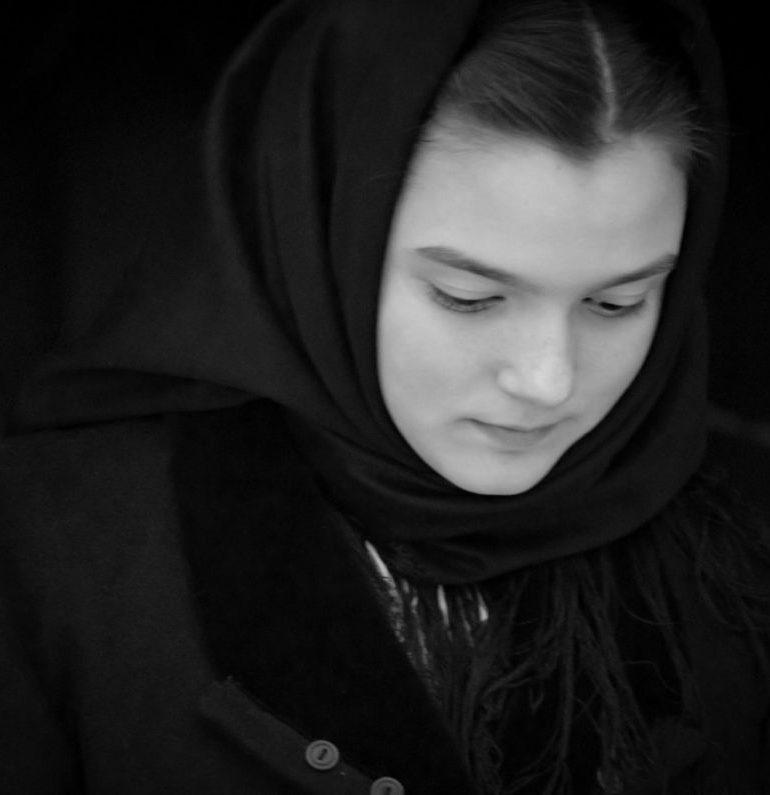 """Recunoaştere naţională pentru Clasa de """"Artă Fotografică"""" din cadrul Centrului de Cultură """"Augustin Bena"""" Alba: Diana Popescu a obţinut premiul I la Concursul Naţional de Fotografie Etnografică """"Oameni şi datini"""" Braşov"""