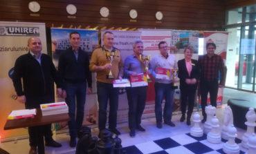 FOTO: Andrei Istrăţescu învingător în Openul Internaţional al României la şah, desfăşurat la Alba Iulia