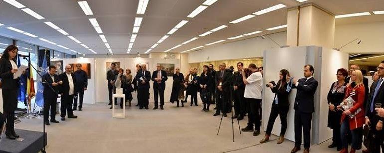 """FOTO: Expoziţia de artă plastică """"Culorile diversităţii"""", un proiect Inter-Art Aiud desfăşurat la Palatul Naţiunilor din Geneva"""