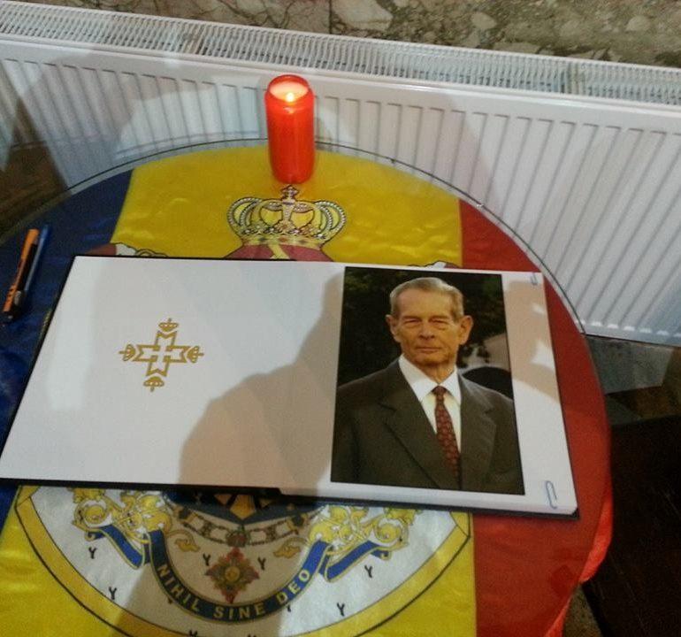 ASTĂZI: Carte de condoleanţe, deschisă la Sala Unirii din Alba Iulia pentru cei care doresc să îşi ia rămas bun de la Regele Mihai