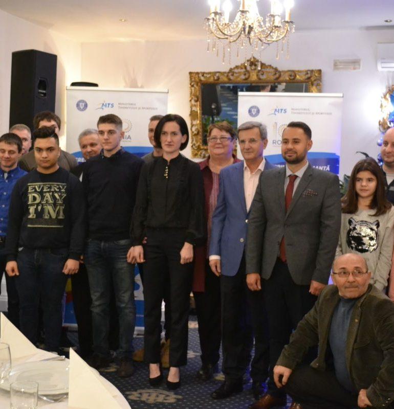 FOTO-VIDEO: Cei mai buni sportivi legitimați la Clubul Unirea Alba Iulia, premiați de conducere