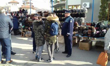 FOTO: Acţiune cu efective suplimentare a poliţiştilor la Blaj, cu ocazia Târgului Căciulilor