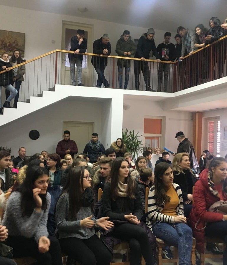 """FOTO: Clubul Copiilor Sebeș. Peste 150 de invitați, în cadrul unui eveniment realizat în parteneriat cu Centrul Cultural """"Lucian Blaga"""" Sebeș"""