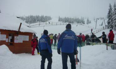 Jandarmii din Alba sunt pregătiţi pentru sezonul rece şi vor participa la asigurarea unui climat de normalitate şi siguranţă pe timpul Sărbătorilor de Iarnă