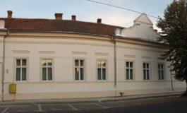"""JOI: Ambasada S.U.A. la Bucureşti şi Biblioteca Judeţeană """"Lucian Blaga"""" Alba  inaugurează """"Raftul American"""""""