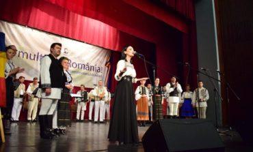 """VIDEO: Cântec, joc şi voie bună la Centrul Cultural """"Lucian Blaga"""", cu ocazia Zilei Unirii Principatelor Române"""