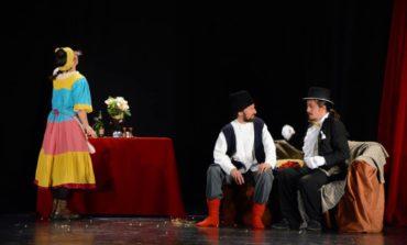 """FOTO: """"Cerere în căsătorie"""", cu Grupul Skepsis, pe scena Casei de Cultură a Studenţilor din Alba Iulia"""