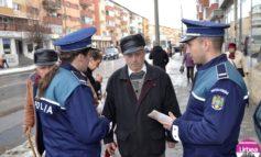"""FOTO: Campania """"Fii vigilent! Nu te lăsa înşelat de infractori!"""", derulată de IPJ Alba, la Teiuş şi Alba Iulia"""