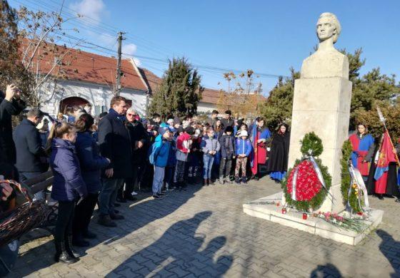 FOTO: Manifesări culturale dedicate poetului Mihai Eminescu, la Sebeş