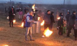 VIDEO: Tradiţia opaiţelor 2018, la Sebeş. Imagini de excepţie cu focuri aprinse pentru alungarea spiritelor rele