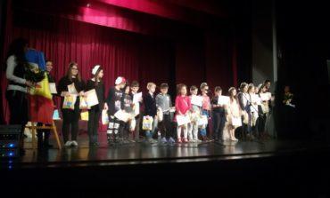 """FOTO: Ziua Mondială a Scriitorilor a fost marcată la Sebeș prin spectacolul de teatru """"Cu sentimentele... pe față"""""""