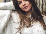VIDEO: Denisa Moga, tânăra din Sebeş, recital de excepţie la Sărbătoarea Mierii de la Blaj. Aplauze şi cuvinte de laudă la adresa artistei
