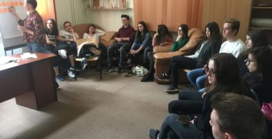 FOTO: Atelier de  formare  destinat voluntarilor antidrog din cadrul CPECA Alba