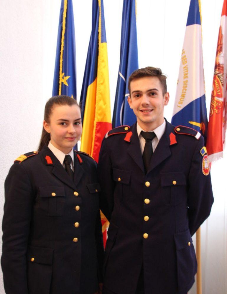 """FOTO: Doi elevi de la Colegiul Naţional Militar din Alba Iulia, pe podium la etapa judeţeană a Concursului Naţional """"Istorie în dimensiune virtuală"""""""