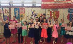 """FOTO: Rezultate frumoase pentru sportivii de la Life is Dance, la """"Cupa Muhlbach"""" desfăşurată sâmbătă, la Sebeş"""