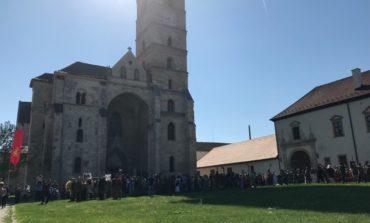 ASTĂZI: Parada luptătorilor, târg de sclavi, Războaiele lui Traian cu Decebal, lupte de gladiatori și teatru, la Festivalul Roman Apulum de la Alba Iulia. Programul pentru ziua de duminică