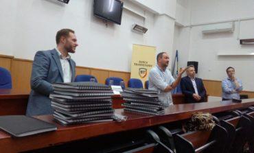 """FOTO: Conferința """"Vreau să fiu Antreprenor"""", la Alba Iulia. Discuţii despre rolul pe care tinerii îl au în mediul economic românesc, cât şi despre provocările mediului de afaceri"""