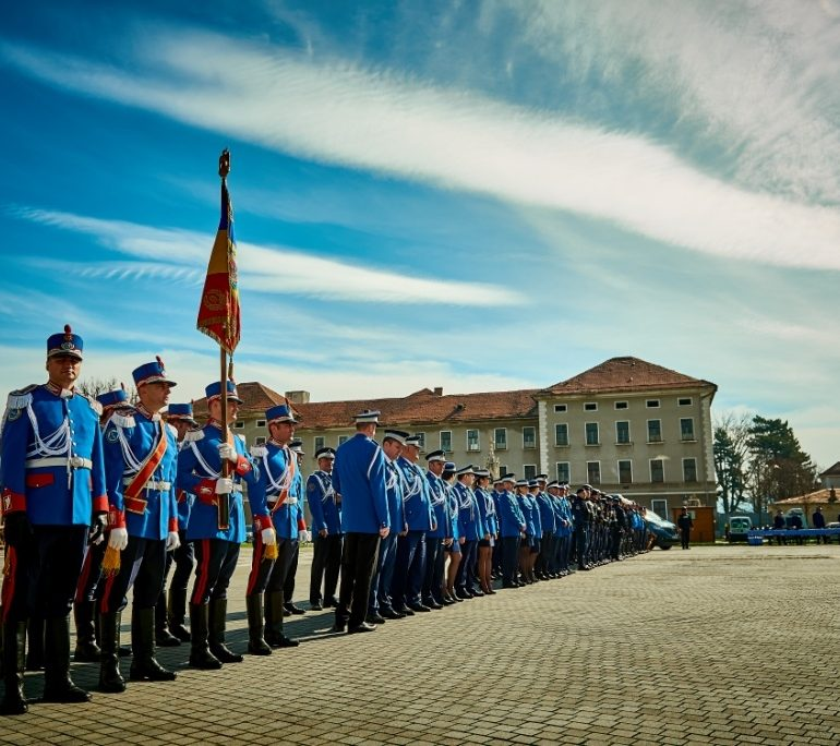 Peste 90 de jandarmi asigură măsuri de ordine la evenimente din weekend în Alba