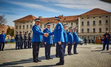 FOTO: 9 ofiţeri şi subofiţeri, avansaţi în grad la Alba Iulia, de Ziua Jandarmeriei Române
