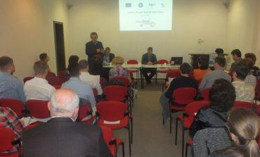 """FOTO: ADR Centru a prezentat proiectul """"Start Up Hub Centru"""" în județele Brașov și Mureș. Crește numărul celor înscriși la cursurile de formare antreprenorială, prin care viitorii oameni de afaceri pot obține 38.000 euro nerambursabili"""