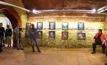FOTO: Concurs şi expoziţii cu maestrul Ștefan Popa Popa`s, la Festivalul Internaţional de Umor de la Aiud 2018