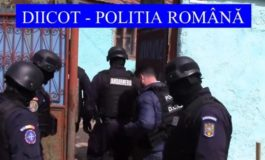 FOTO-VIDEO: Percheziţii la o familie din Sebeş după ce au sechestrat un bărbat pe care îl obligau să cerşească