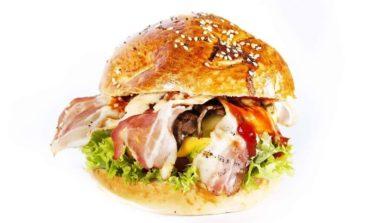 """1 IUNIE: """"Adevăratul burger"""" ajunge la Alba Iulia. Tasty Burger îşi deschide porţile şi vă aşteaptă la Alba Mall cu cele mai bune preparate"""