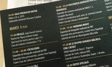 """A doua zi a Festivalului de Teatru """"Poveşti"""" de la Alba Iulia. Program încărcat, cu nume şi reprezentaţii de neratat"""