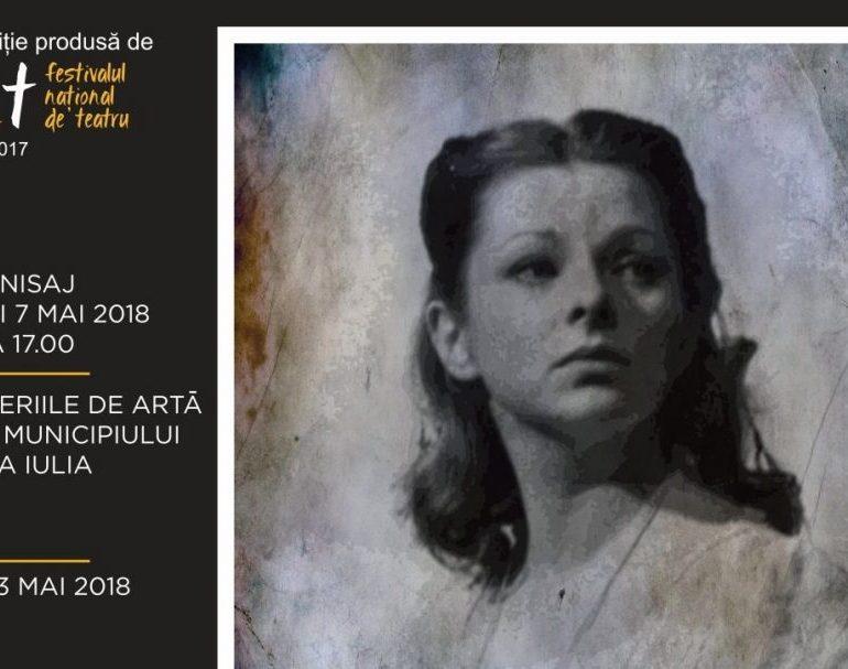 """Festivalul Internaţional de Teatru """"Poveşti"""" de la Alba Iulia: Vernisajul expoziției """"Ipostaze Mariana Mihuț"""", în prima a zi, la Galeriile de Artă"""