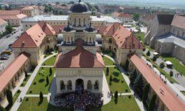 """Copiii din aşezămintele sociale ale Arhiepiscopiei Ortodoxe de Alba Iulia se pregătesc să devină """"Străjeri ai Unirii"""""""