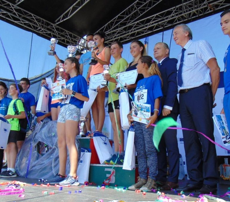 FOTO-VIDEO: Peste 1000 de alergători au luat startul la Crosul Europei 2018 de la Alba Iulia