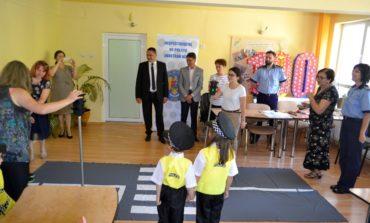 """FOTO: """"Micii pietoni"""", concurs cu tradiție adresat preșcolarilor din Alba Iulia, organizat de IPJ Alba"""