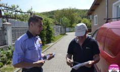FOTO: Peste 300 de locuitori din comunele Ciugud şi Vinţu de Jos, sfătuiţi de poliţişti privind modalităţile de protejare împotriva infracțiunilor de furt şi înşelăciune