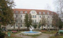 FOTO: POR 2014-2020 sprijină gestionarea eficientă a energiei în clădirile publice din Regiunea Centru. Maternitatea cugireană se modernizează cu fonduri europene