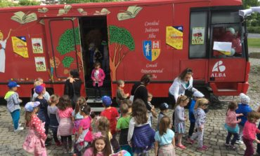 """JOI: Sărbătoarea copilăriei la Biblioteca Județeană ,,Lucian Blaga"""" Alba. PROGRAM"""