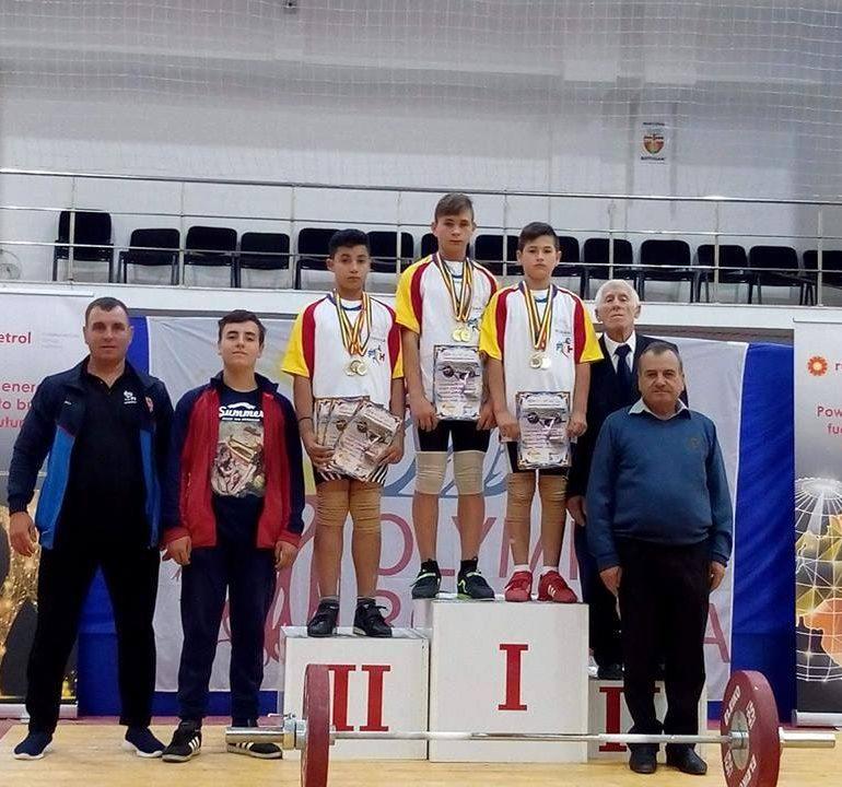 FOTO: Rezultate extraordinare obținute de sportivii legitimați la CS Unirea Alba Iulia la Campionatul Național de Haltere: 11 medalii, între care 9 de aur