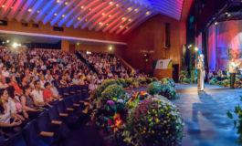 """Un Moment de Mare Unire, Festivalul Național de Folclor """"STRUGURELE DE AUR""""  2018. Au început înscrierile pentru ediţia a XVIII-a"""