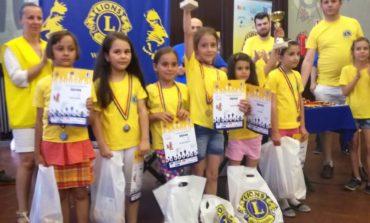 """FOTO: Cinci medalii de aur pentru juniorii albaiulieni la Festivalul de Şah """"Lions"""" de la Cluj-Napoca"""
