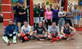 """FOTO: Cu şi despre sportivii de la Revolution Academy. Alin Moldovan, antrenorul clubului: """"Sportul se practică în familie"""""""